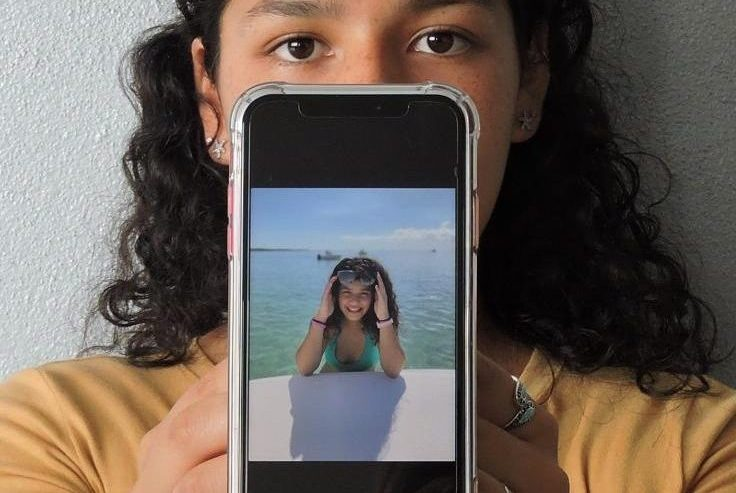 Sophomore Ariana Miranda showcases her favorite edited selfie.