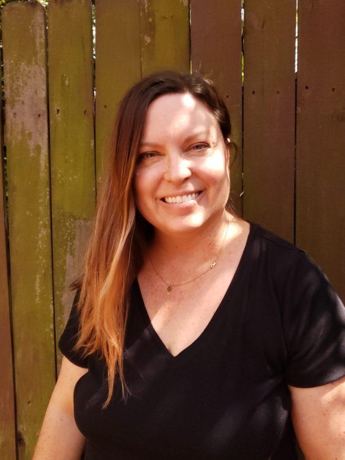 Elizabeth Bonet is a psychotherapist and a certified hypnotherapist.