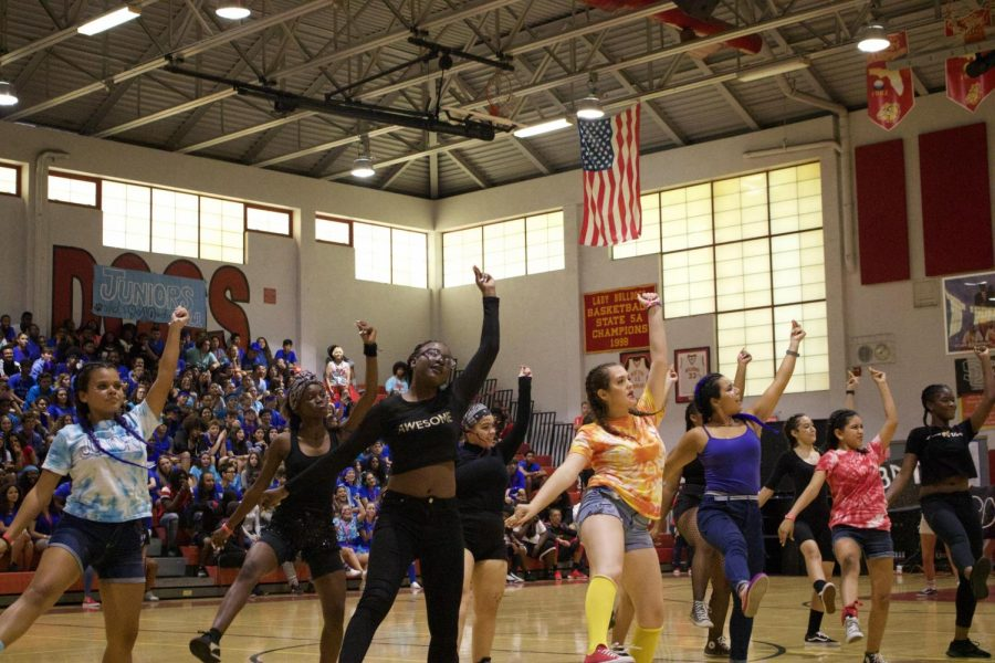 Bulldogs+Dance+Theatre+performing+their+choreography+to+%22Clout%22+at+the+pep+rally.+