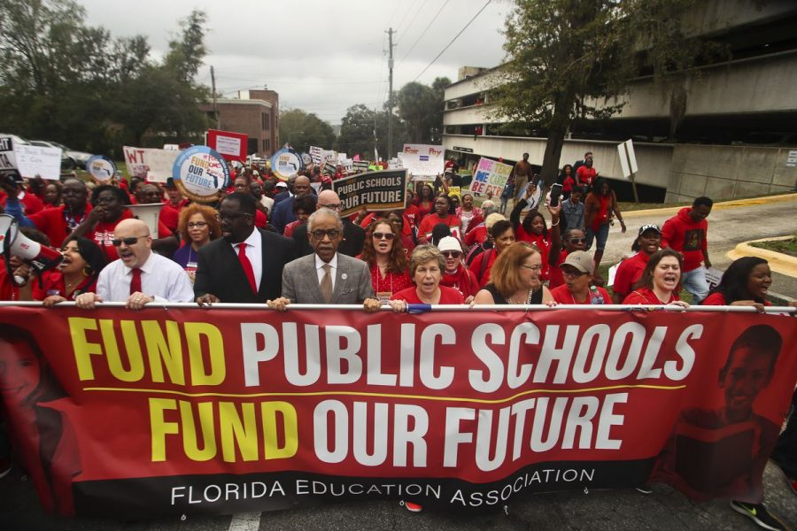 South+Florida+teachers+arrive+in+Tallahassee+to+fight+for+higher+pay